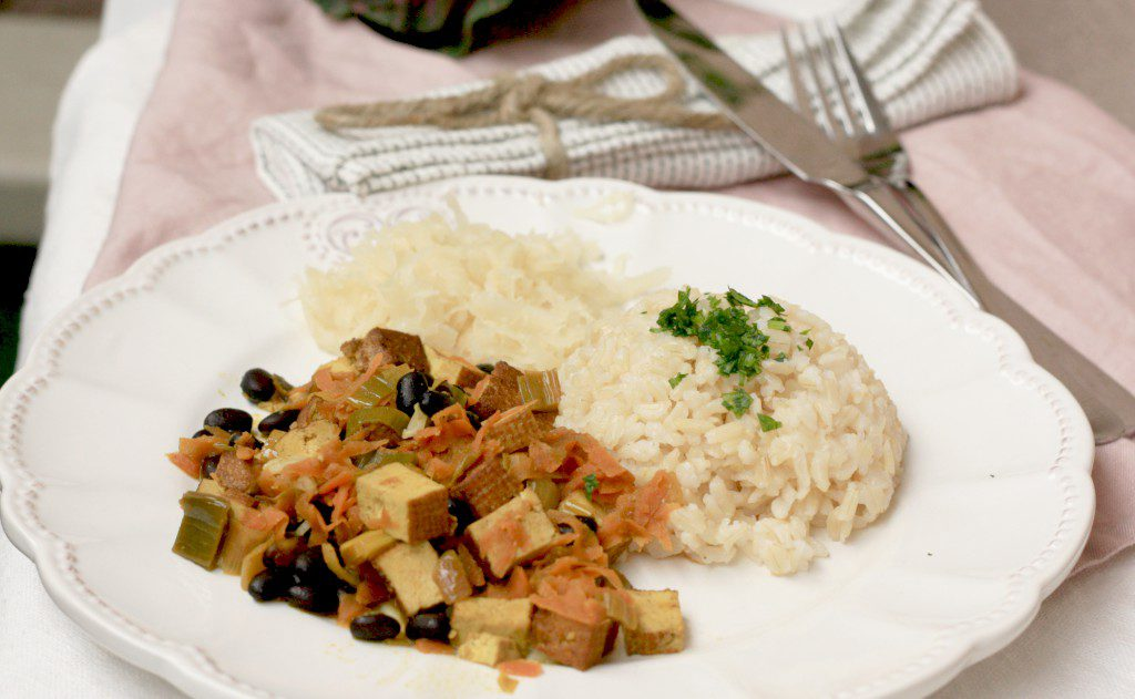 Pikantní zeleninová pánev s tofu